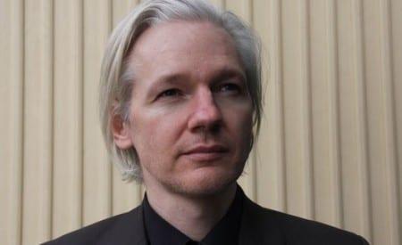Assange: Obama är den riktiga förrädaren