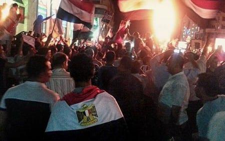 Minst 100 döda i egyptiska sammandrabbningar