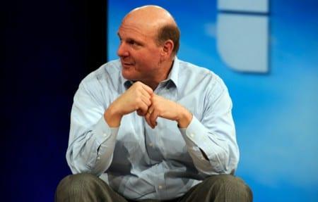 Ballmer lämnar Microsoft inom ett år