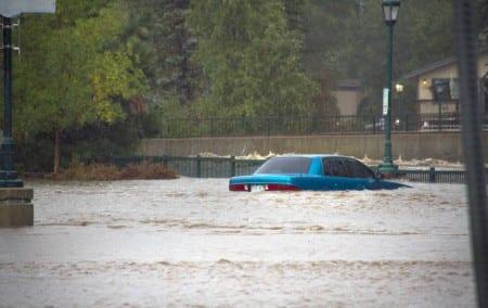Hundratals saknas efter oväder i Colorado