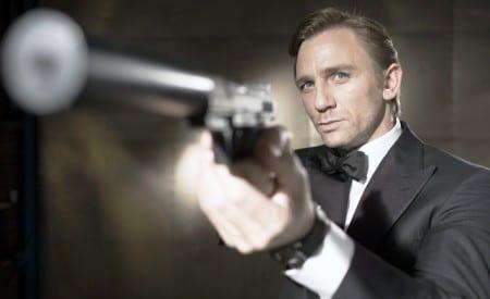 James Bond är egentligen en alkoholist