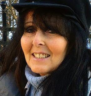 Tårtade Åkesson – nu döms hon till fängelse