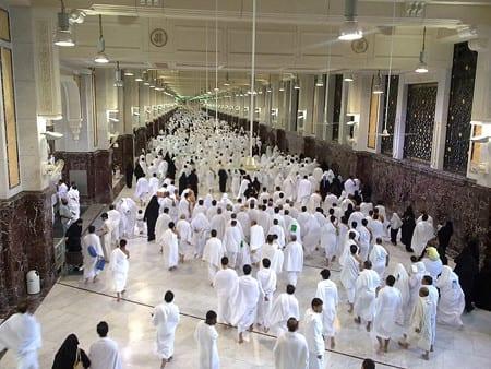Över 700 pilgrimer ihjältrampade i Mekka