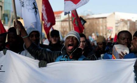 Tyskar kräver folkomröstning om migranter