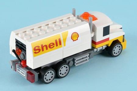 Lego stoppar samarbeten med Shell