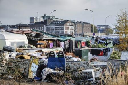 Polisen väntar med att riva migrantlägret i Malmö