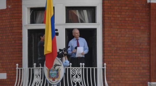 """Ecuador släckte Assanges internetuppkoppling efter """"påtryckningar från USA"""""""