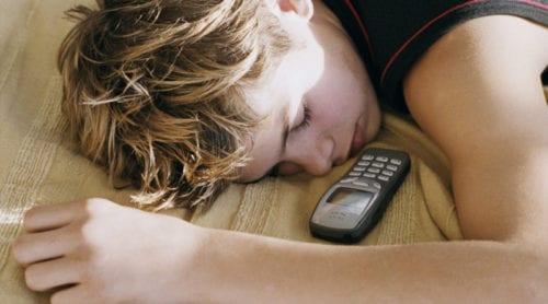 Mobiler försämrar sömn och hälsa
