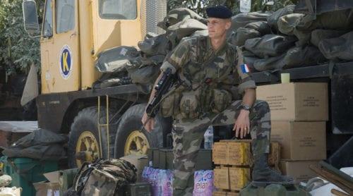 Soldater bestulna på vapen under McDonalds-besök
