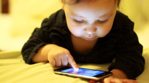 Varning för mobilstrålning raderades – forskare rasar