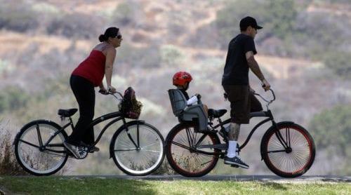 Så cyklar du säkert i sommar