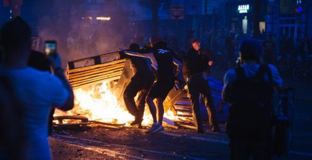 Tyska staten stänger ner våldsbejakande vänstersajt