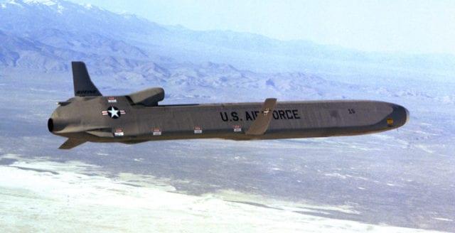 Lockheed och Raytheon ska utveckla kärnvapenbestyckad kryssningsrobot