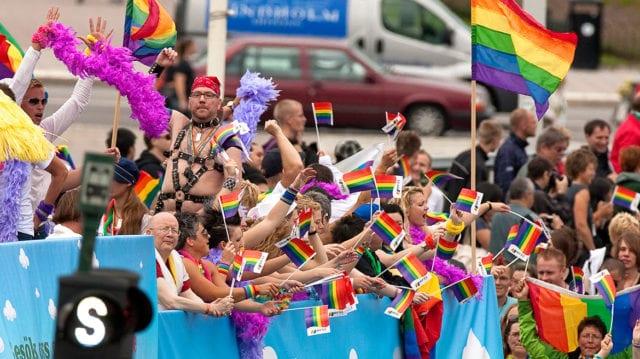 JO: Fel av Försvarsmakten tvinga anställda delta i Pride