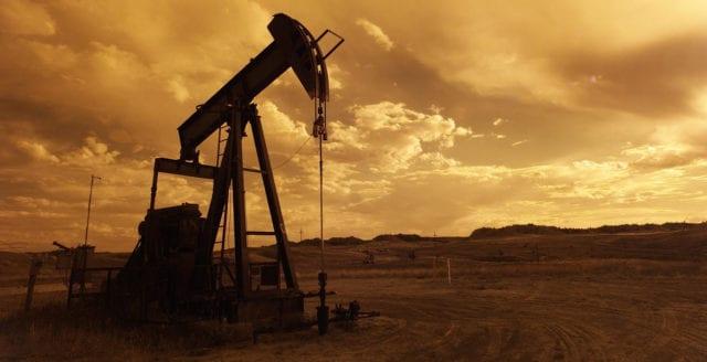 Historiskt ras för amerikansk olja
