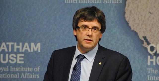 Kataloniens avsatte president tänker söka asyl i Belgien