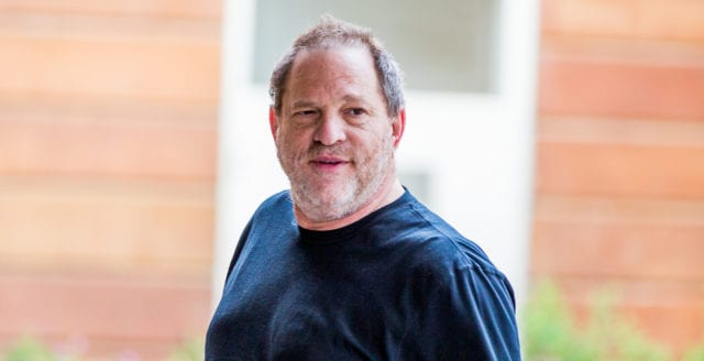 Skandalproducenten Harvey Weinstein får sparken