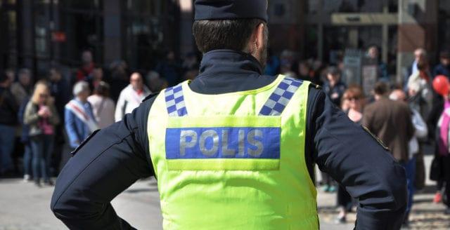 Man rånad på sina skor i Åkersberga