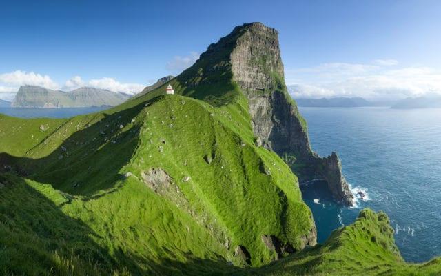 Färöarna tar strid för sitt unikum