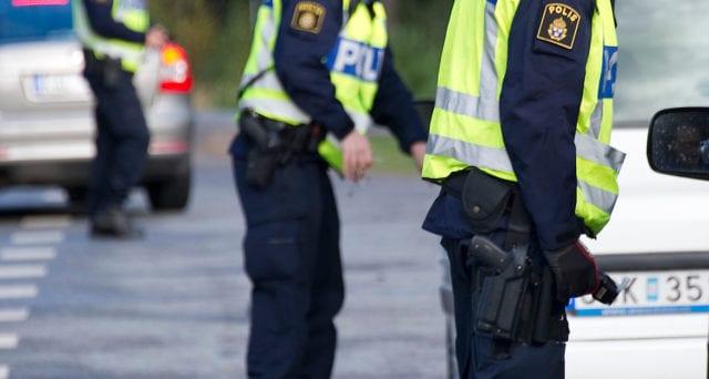 Barnfamilj rånad på bil i Borås