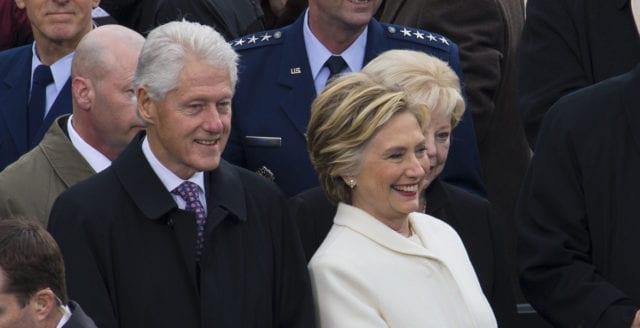 Vittnen: Paret Clinton var återkommande gäster på Epsteins ranch