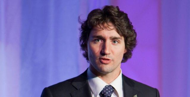 """Kanadas premiärminister tillrättavisar kvinna som sa """"mankind"""""""
