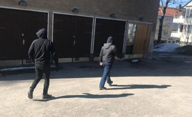 Man och kvinna attackerades av vänsterextremister utanför bostad i Farsta