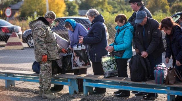 Utländska journalister hindrade att arbeta i Donbass
