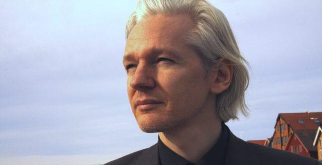"Stefan Sigfried: ""Assange vågade ta kampen"""