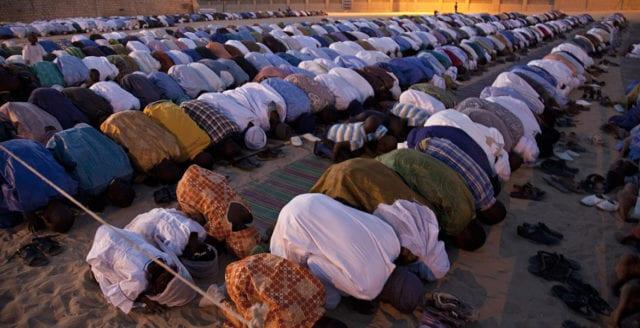 """""""MENA-invånare inga offer för vit överhöghet och dominans"""""""