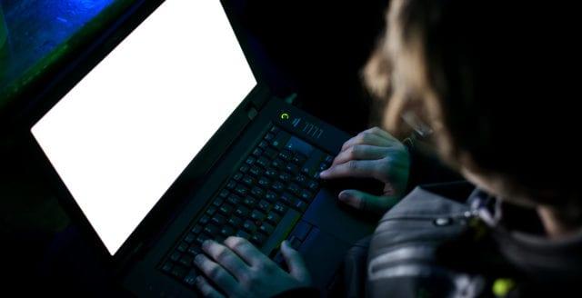 Försvarshemligheter spreds på hemliga forum