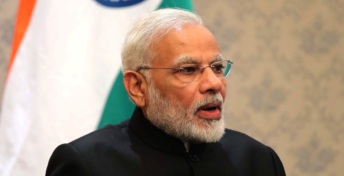 om modi When sunil kumar- an rss leader turned politician greeted pm modi with  traditional rss line of 'hari om', modi refused to greet back in the.