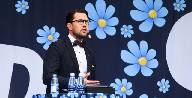 Sverigedemokraterna byter fot igen – vill närma sig Nato