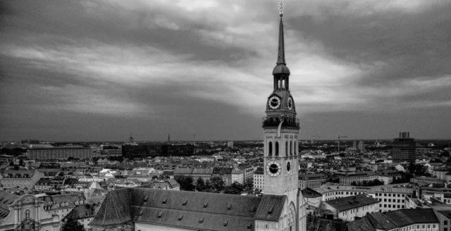 """Evangeliska kyrkan: EU har tagit emot för lite migranter – """"förråder kristendomen"""""""