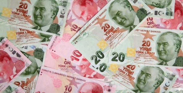 Turkiet riskerar ekonomisk kollaps – anklagar USA
