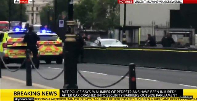 Misstänkt terrordåd utanför parlamentet i London