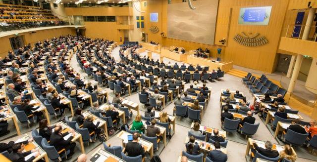 Riksdagen röstar ja till den nya pandemilagen