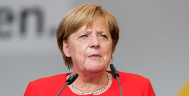 Merkel: 7 av 10 tyskar kan smittas