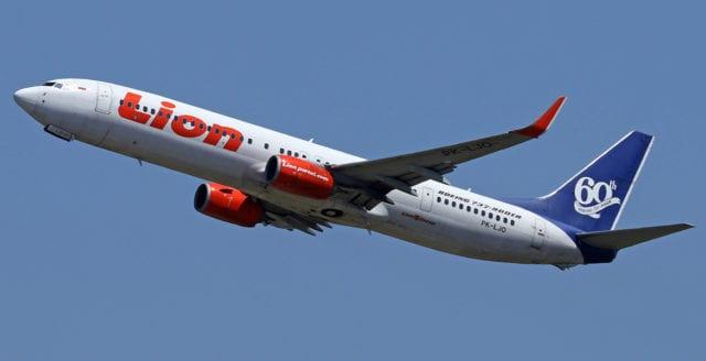 Passagerarflygplan har kraschat utanför Indonesien