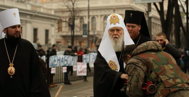 Historiskt beslut: Rysslands ortodoxa kyrka bryter med Konstantinopel