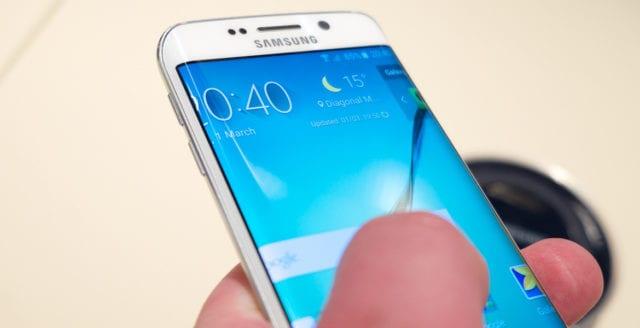 Apple och Samsung straffas för att ha gjort äldre mobiler långsammare