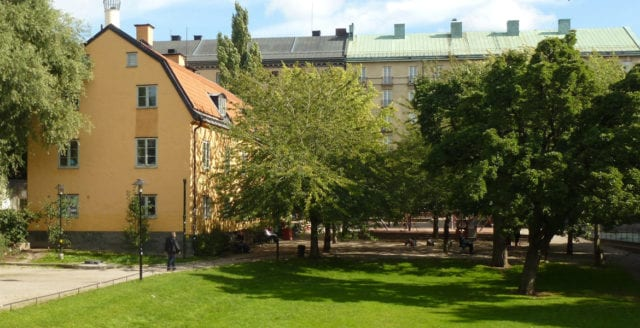 Tre män häktade för grov våldtäkt och rån på Södermalm