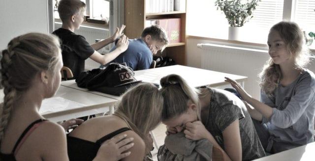 Brå: Varannan 15-åring i Sverige utsatt för brott