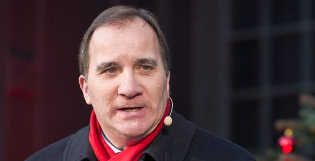 Historiska ögonblicket: riksdagen avsätter Löfven