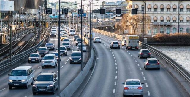 Snart betydligt dyrare att köra bil i städer