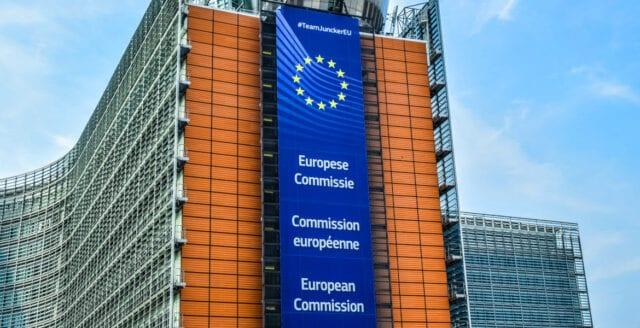 EU-kommissionen: Sverige betalar för lite till unionen