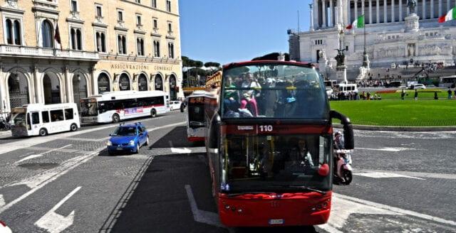 Busschaufför kapade buss med 51 barn i Italien