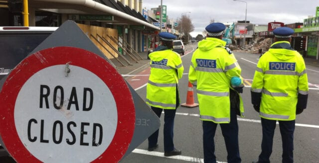 49 döda efter masskjutning vid moskéer i Nya Zeeland