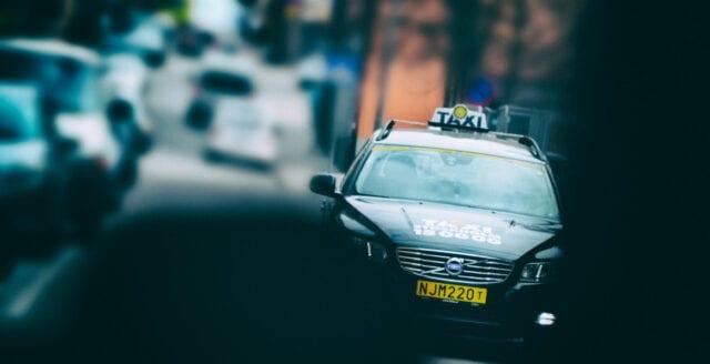 Taxibolagen fortsätter att köra för fort