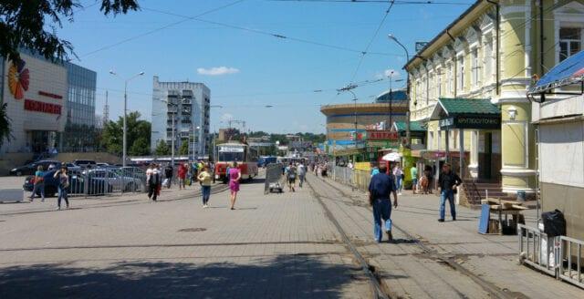Ryssland kan ge isolerade invånare i östra Ukraina en väg ut